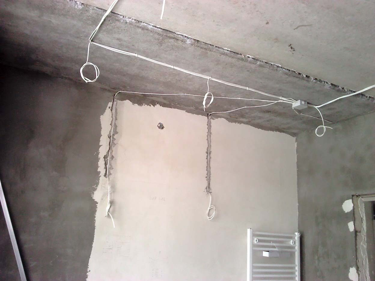 Схема электропроводки при натяжном потолке